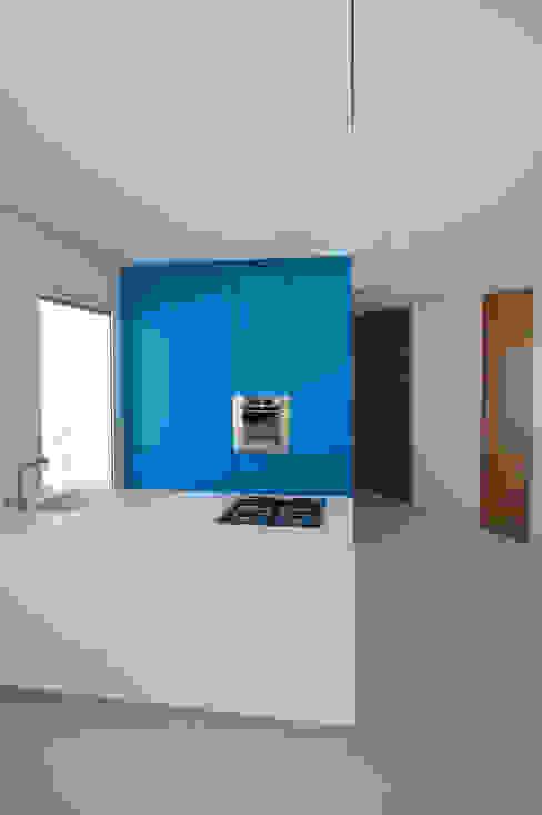 la casa sul porto Case in stile minimalista di studio di architettura Antonio Giummarra Minimalista