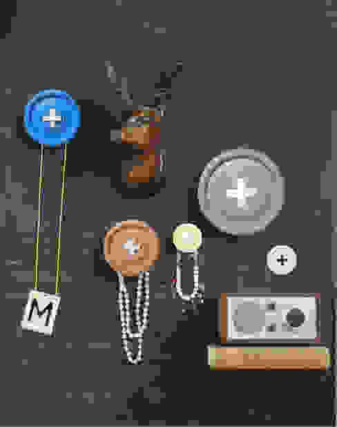 Button Garderoben Haken 5er Set:   von ANCHOVI,Ausgefallen