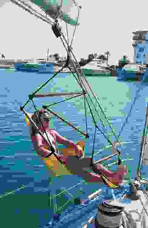 CrazyChair Hängesessel auf einer Segelyacht Moderne Yachten & Jets von CrazyChair Hängematten Modern