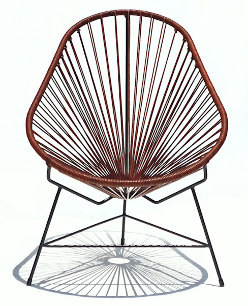 Leather Acapulco chair por Ocho Workshop Moderno