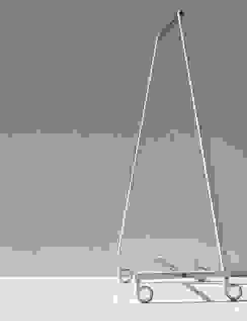 SUNCHARIOT 2, coat hangers holder de Insilvis Divergent Thinking Minimalista