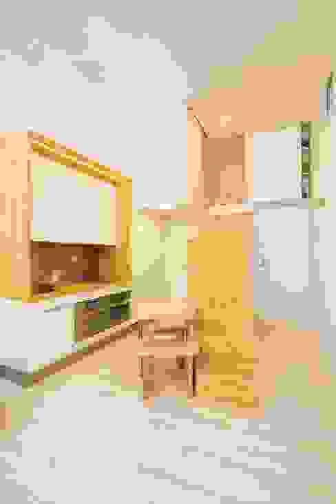 Minimalistyczna kuchnia od Beriot, Bernardini arquitectos Minimalistyczny