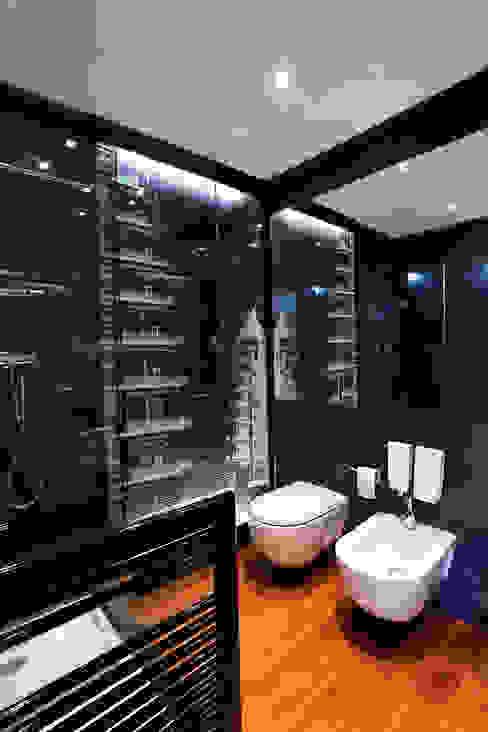 BATHROOM WITH A VIEW Moderne Badezimmer von Tereza Prego Design Modern