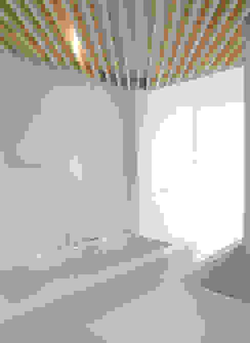 モダンスタイルの お風呂 の Schneider Colao design モダン
