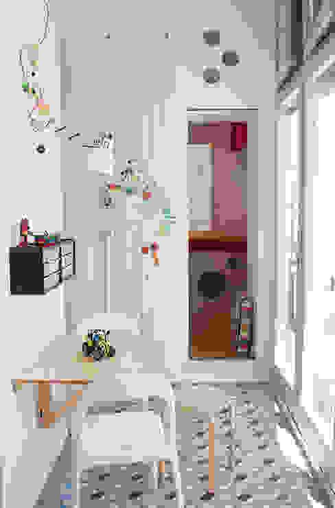 Oficinas de estilo  por PARRAMON + TAHULL arquitectes