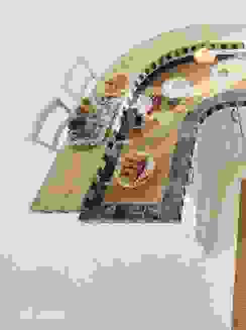 Cocinas de estilo rústico de ROMANO MOBILI dal 1960 Rústico
