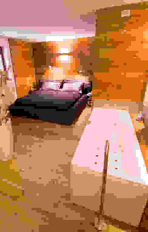 Skandinavische Schlafzimmer von Architetto Beltrame Claudio Skandinavisch