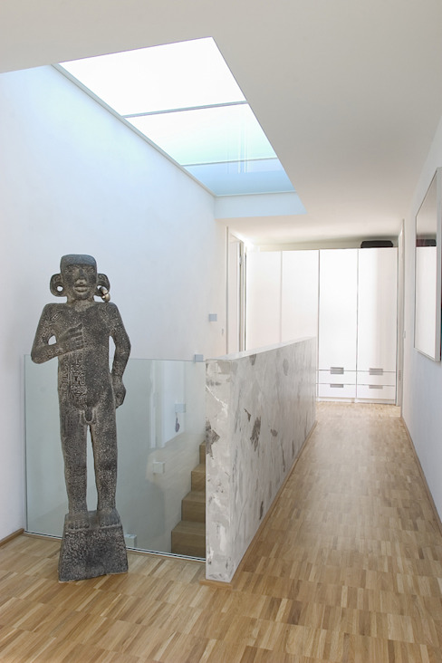 Staircase, Corridor and Hallway by THOMAS GRÜNINGER ARCHITEKTEN BDA