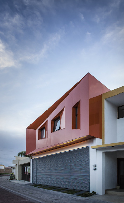 Modern houses by PLASTIK ARQUITECTOS Modern