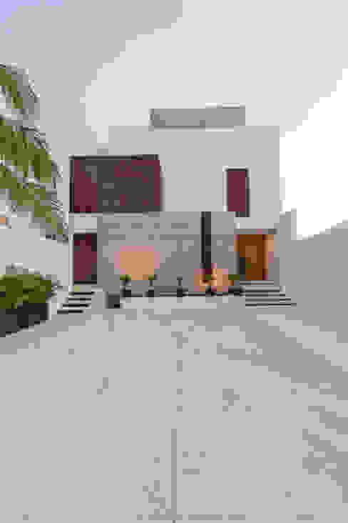 Casas minimalistas de Enrique Cabrera Arquitecto Minimalista