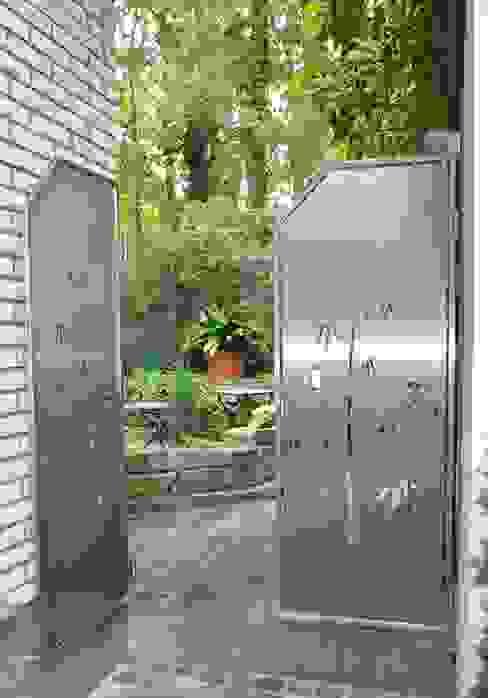 Garten Gates Edelstahl Atelier Crouse: สวน