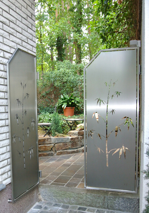Stainless Steel Visual Barriers. Edelstahl Atelier Crouse: Modern garden