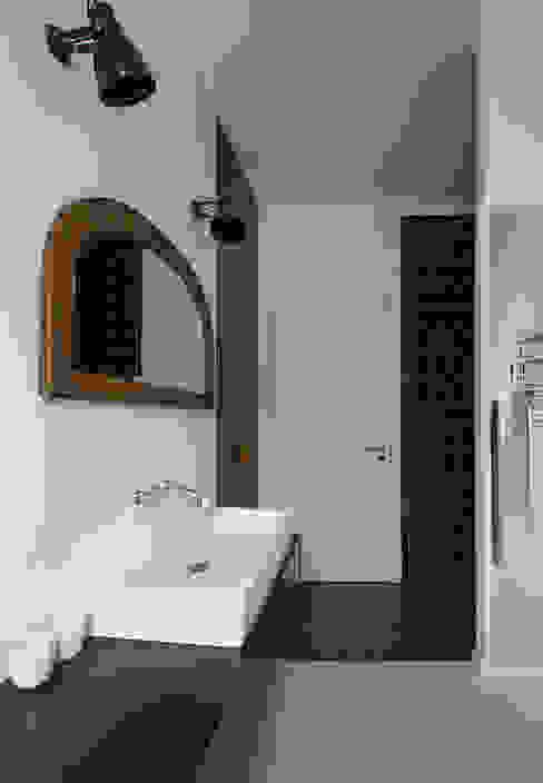 Bad im Vintage-Look Industriale Badezimmer von Berlin Interior Design Industrial