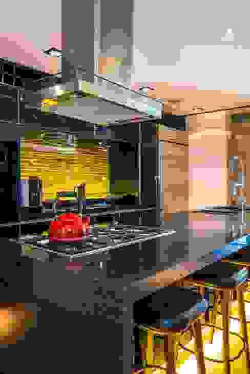 Sobrado + Ugalde Arquitectos Cocinas de estilo ecléctico