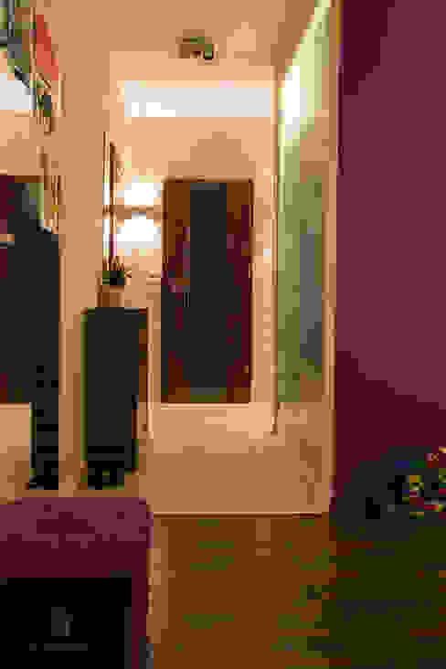 Mieszkanie 1/9 Nowoczesny korytarz, przedpokój i schody od k.halemska Nowoczesny