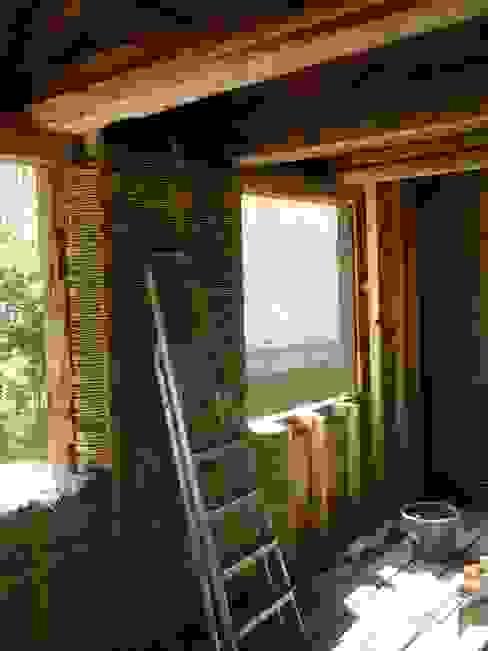 Innenwanddämmung Rustikale Häuser von Gabriele Riesner Architektin Rustikal