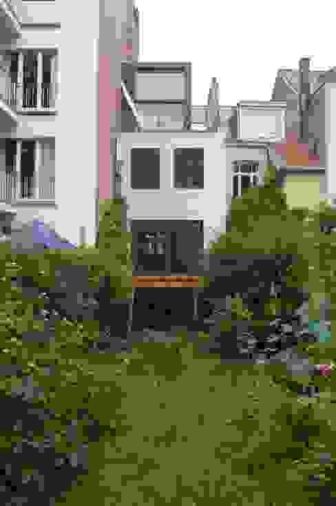 Transformation et extension à Uccle Maisons modernes par KARBON' Moderne