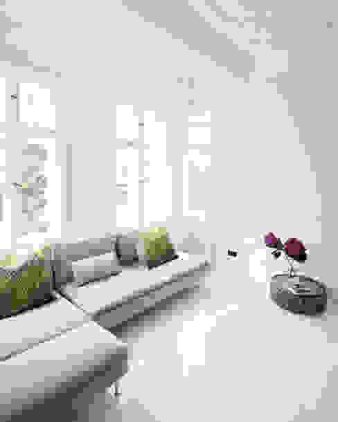 Salones de estilo escandinavo de lifelife GmbH Escandinavo