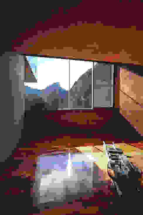 Casa Narigua Gimnasios domésticos modernos de P+0 Arquitectura Moderno