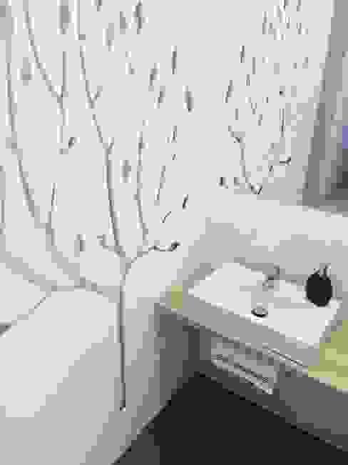 Dom jednorodzinny projekt parteru Skandynawska łazienka od White Interior Design Skandynawski