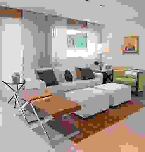 Riviera de São Lourenço/SP: Casas  por Bianka Mugnatto Design de Interiores