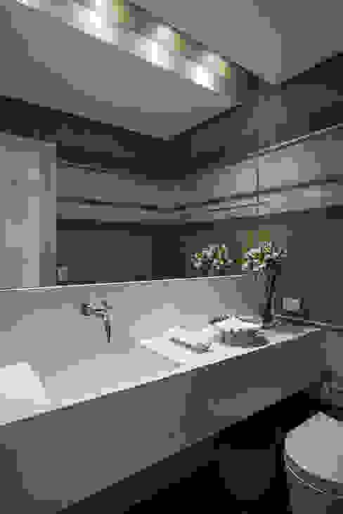 Projeto Banheiros clássicos por BJG Decorações de Interiores Ltda Clássico