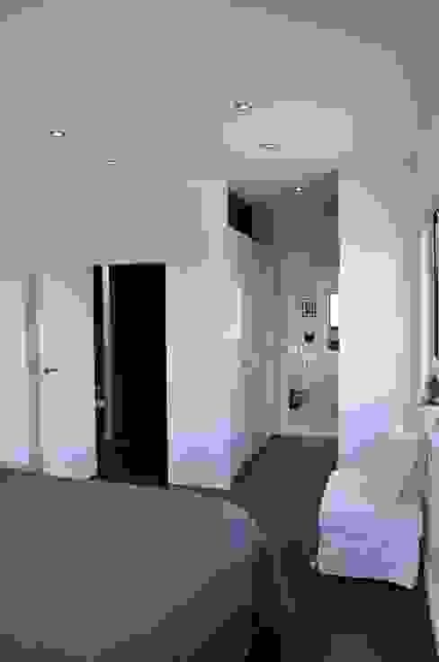 Moderne slaapkamers van Pracownia Projektowa Ola Fredowicz Modern