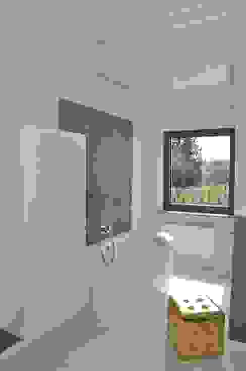 Moderne Badezimmer von Pracownia Projektowa Ola Fredowicz Modern