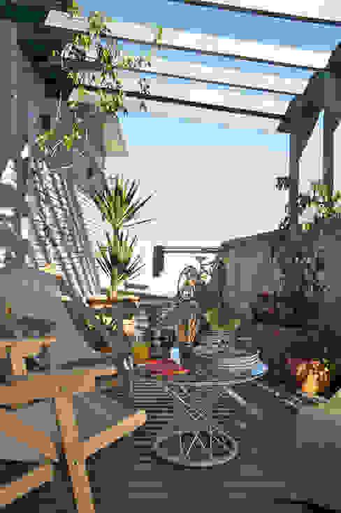 Residência Harmonia Varandas, alpendres e terraços modernos por Mauricio Arruda Design Moderno