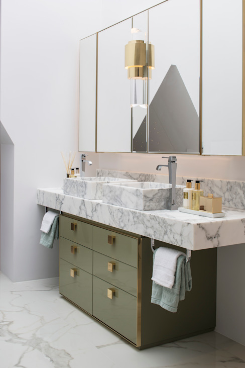 Master Bathroom Roselind Wilson Design Classic style bathroom