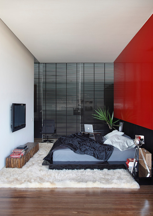 LA HOUSE Modern style bedroom by STUDIO GUILHERME TORRES Modern
