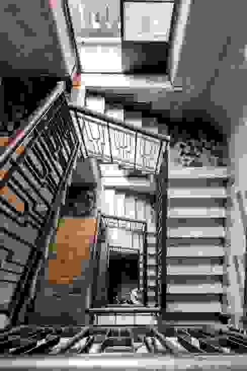 Private apartment _ LPC Ingresso, Corridoio & Scale in stile moderno di cristianavannini | arc Moderno
