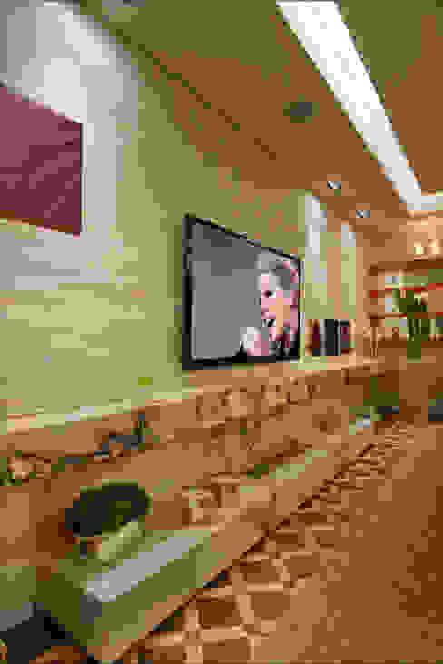 Living - Casa Cor 2013 Salas de estar clássicas por Guardini Stancati Arquitetura e Design Clássico