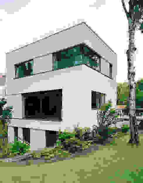 Projekty,  Domy zaprojektowane przez IOX Architekten GmbH, Nowoczesny