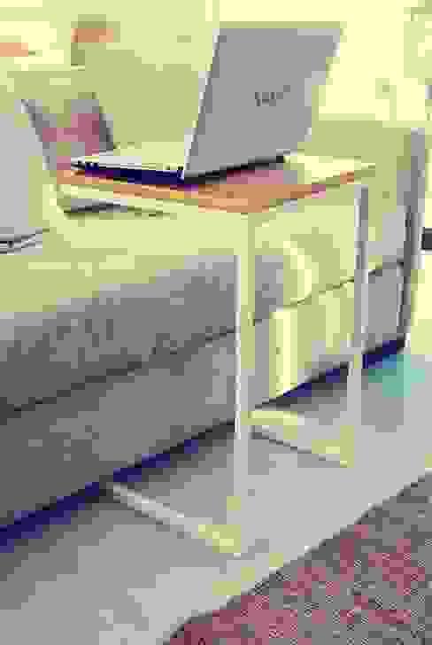 Mesa Notebook:  de estilo  por Muebles muc.,Moderno