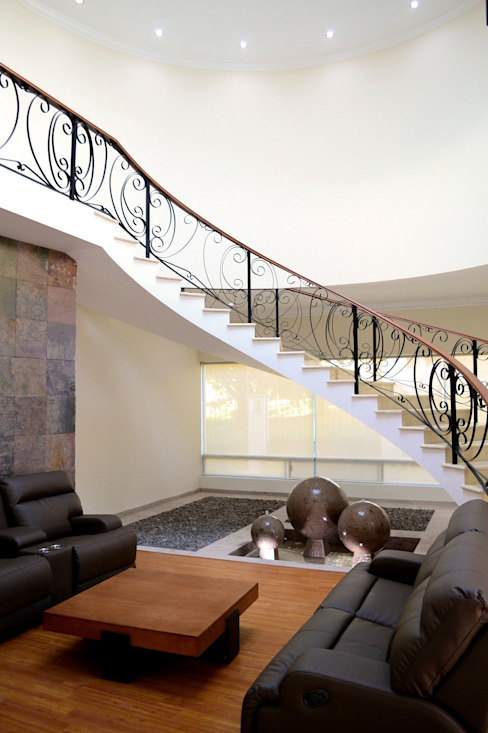 Classic style corridor, hallway and stairs by Excelencia en Diseño Classic