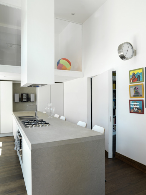 Modern kitchen by na3 - studio di architettura Modern Stone