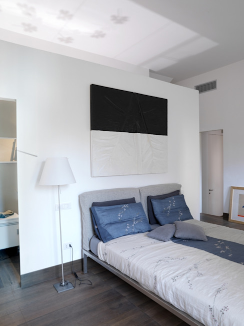 CASA AL GIANICOLO Camera da letto moderna di na3 - studio di architettura Moderno Vetro