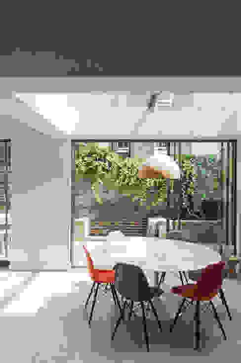 Lilyville Road, Fulham Salas de jantar por Emmett Russell Architects