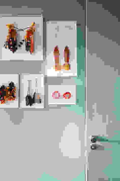 Residência Lorena Paredes e pisos ecléticos por Mauricio Arruda Design Eclético