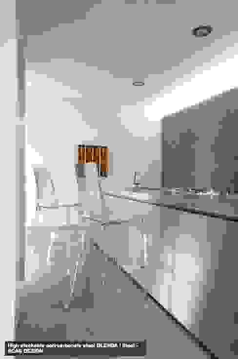 GLENDA BANCO:  de estilo  por Urban Life, Moderno