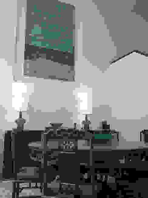 Living room by elliot James Pte Ltd