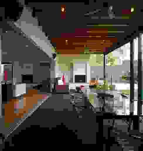 Balcones y terrazas de estilo moderno de Taller Luis Esquinca Moderno