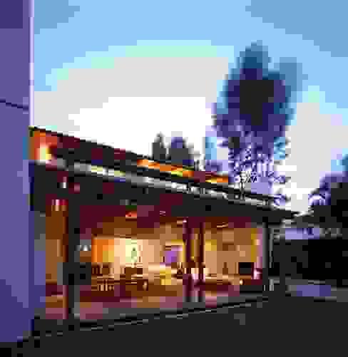 Casa Feryvale, 2006 Balcones y terrazas modernos de Taller Luis Esquinca Moderno