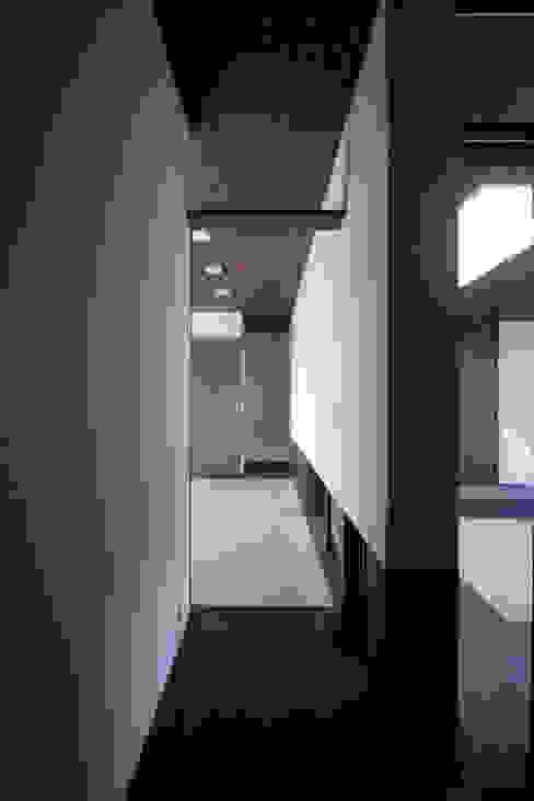 Salas multimedia de estilo moderno de 時空遊園 JIKOOYOOEN ARCHITCTS Moderno