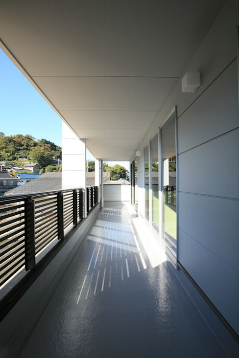 Terrace by CAF垂井俊郎建築設計事務所, Modern