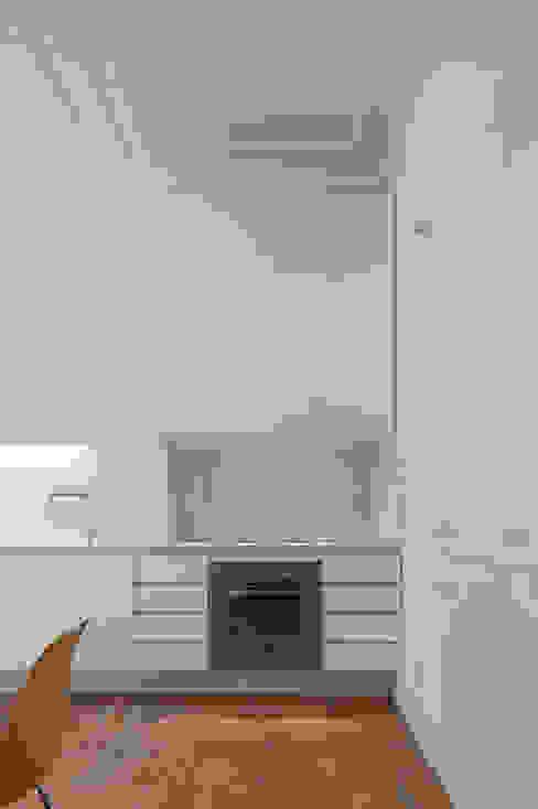 José Adrião Arquitectos Klassieke keukens