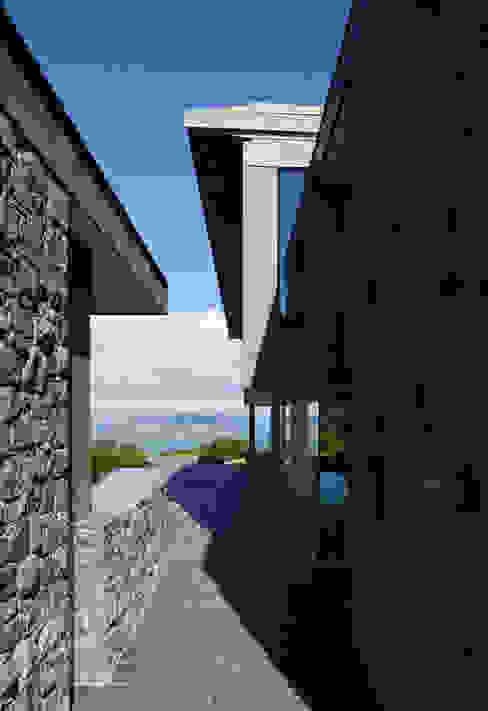 Couin de Vacque Moderne huizen van JAMIE FALLA ARCHITECTURE Modern