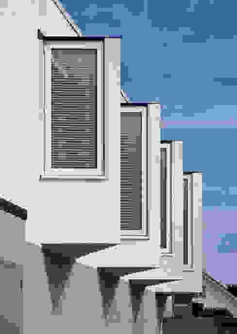 Le Foin Bas Moderne huizen van JAMIE FALLA ARCHITECTURE Modern