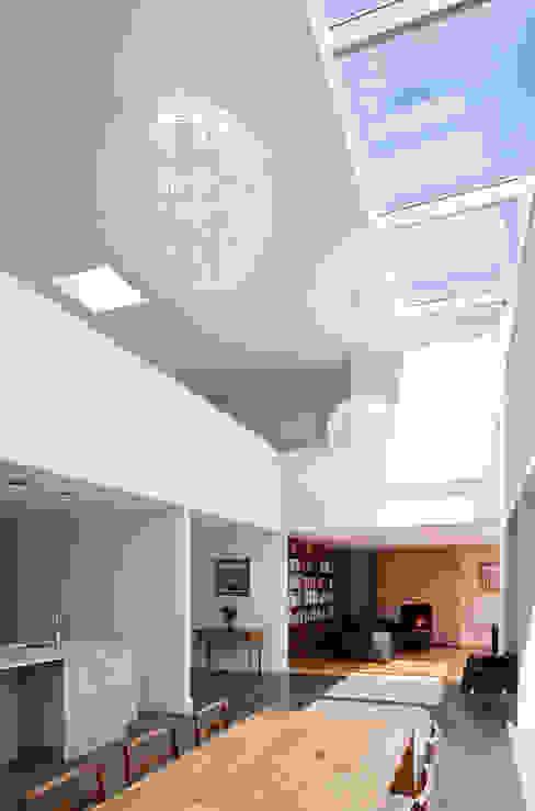 Le Foin Bas Moderne gangen, hallen & trappenhuizen van JAMIE FALLA ARCHITECTURE Modern